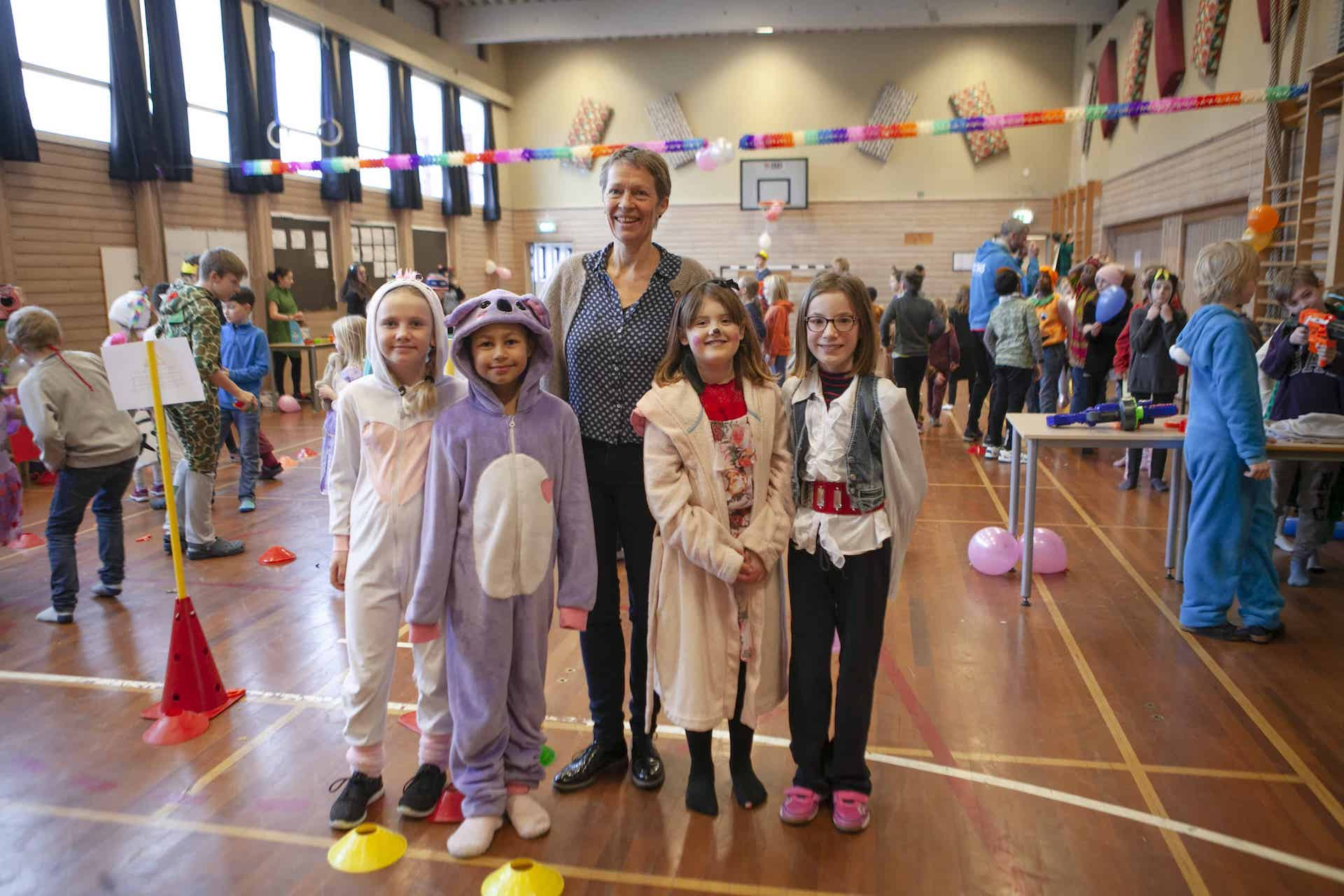 Principal and students at Arendal international school